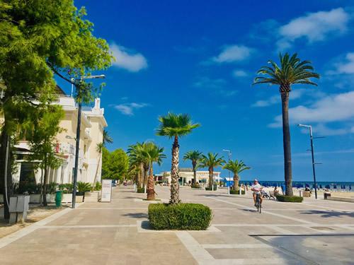 italian coast living