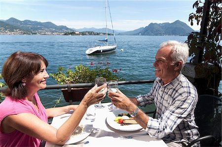 how to retire to italy