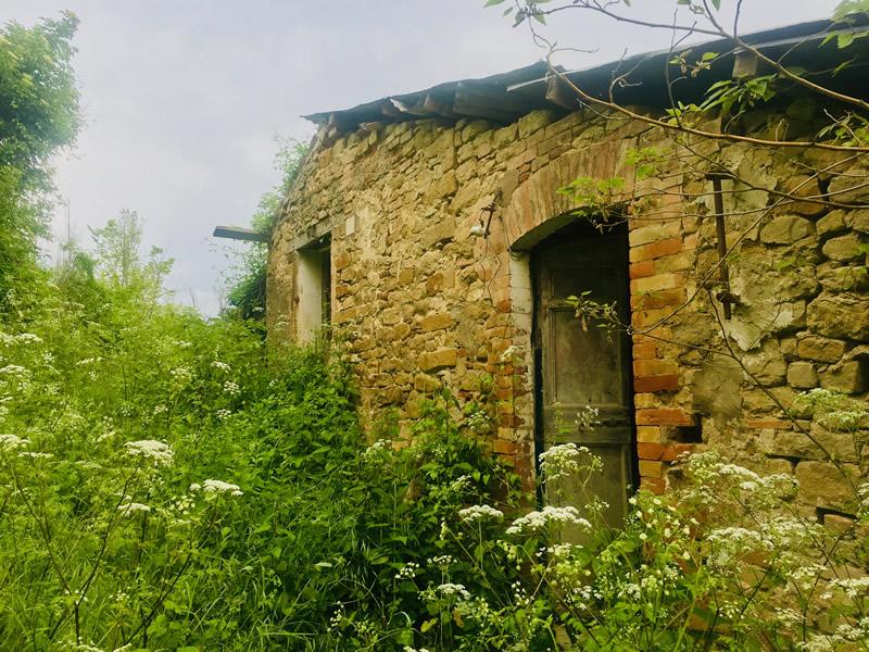 costs of renovating Italian house